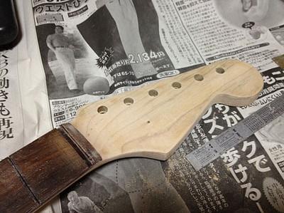 フェンダー・ジャパンのネックを再生 / 塗装剥がし