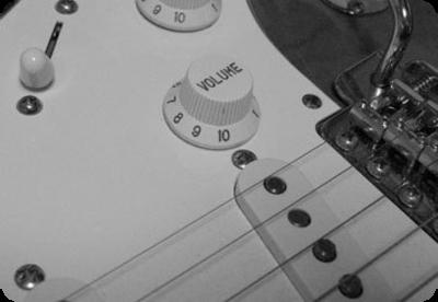 ストラトは、ボリューム・ノブを外せばかなり弾きやすい