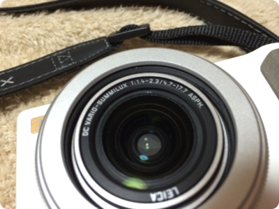 Panasonic ( パナソニック )の LUMIX DMC-LX7のF値は1.4