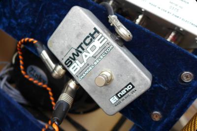 Electro Harmonix Switchbladeでスピーカー切り替え