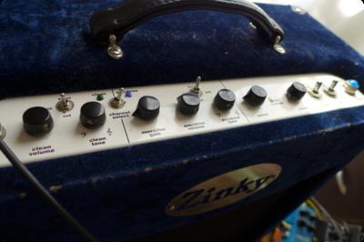 私のギターアンプ Zinky のトーンコントロールはトーンのみ
