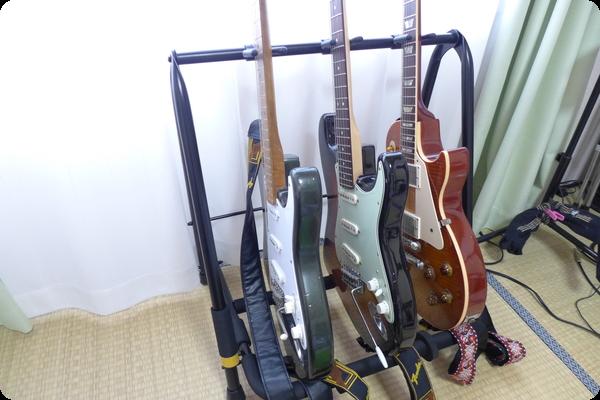 コンパクトで最大5台のギターが置けるギタースタンド HERCULES STANDS GS523B