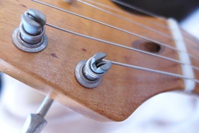 弦の張り方に問題ありませんか?