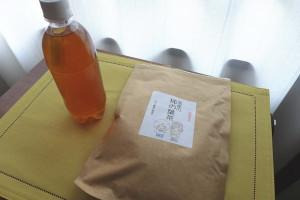 柿の葉茶で水素水7.0