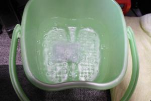 ドクター・水素温泉 、水素のチカラ、水素入浴剤MIRAなどの水素入浴剤は、アルミニウムと水酸化カルシウムの粉が水と反応し、熱くなるのでお湯が冷めにくくなるというのが良いかも