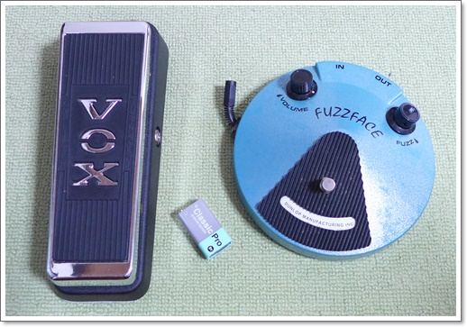 9V電池は主にアダプター未対応のファズフェイスやワウ用に