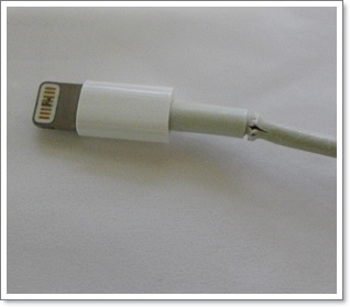 iPhone用の通信/充電ケーブルの被覆が破れたので熱収縮チューブで修理